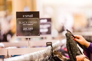 Black Friday Tips: How to use retail fixtures to maximize sales