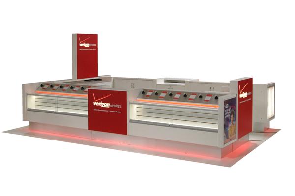 Verizon-10x15-Kiosk-DSC_2276-600x399