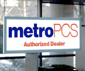 MetroPCS Double Sided High Intensity LED Lighted Window Sign DSC_5399 352x293