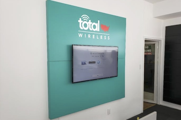 Total Wireless Wall Sign with Multimedia Display 740x492